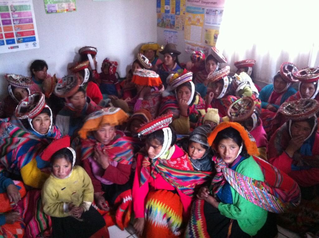 Women in traditional dress in Huacahuasi